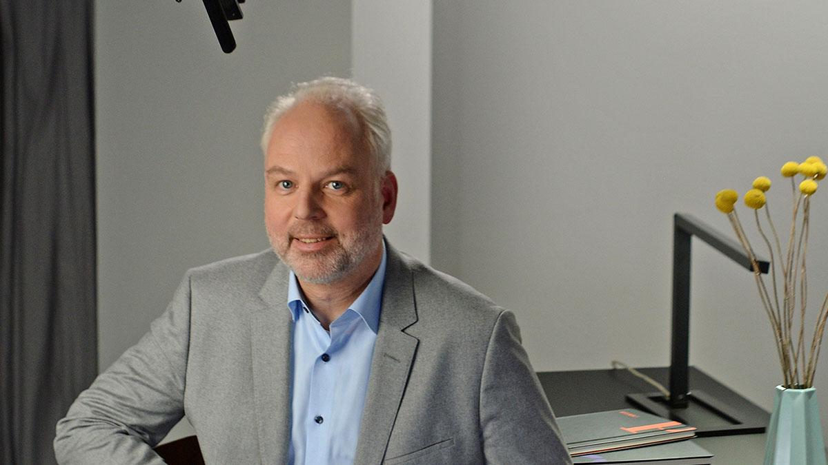 ZEIT-Akademie-Dozent Prof. Dr. Ulrich Kühnen