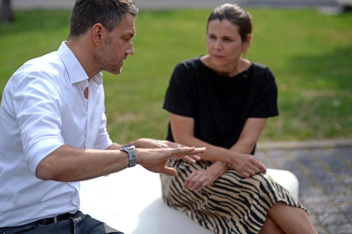 Coach Daniel J. Hanke erläutert Krisenkommunikation im ZEIT-Akademie-Kurs